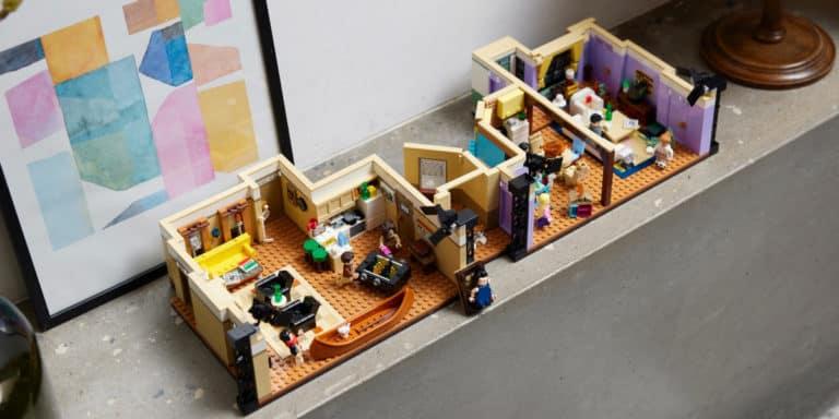 LEGO lanza una una edición especial que rinde homenaje a Friends y permite recrear algunas de las mejores escenas