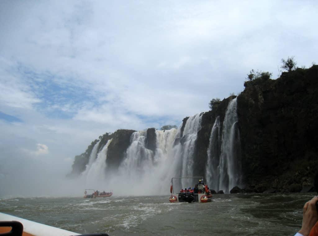 Turismo-Aventura-En-Cataratas-Del-Iguazu