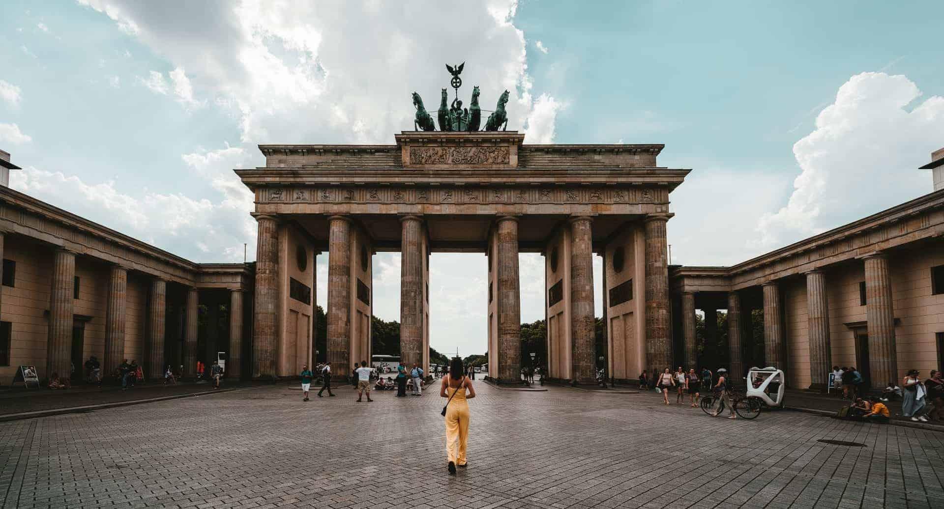 Alemania modifica sus restricciones y permite que las personas que se hayan vacunado contra el COVID-19 ingresen sin tener que hacer cuarentena