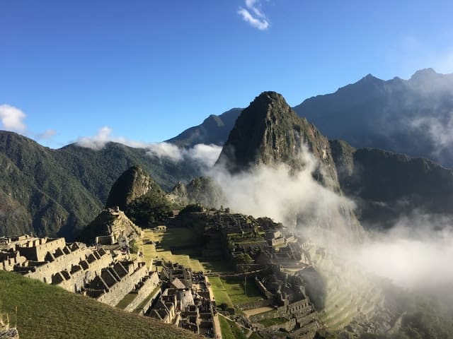 Macchu Picchu Es Uno De Los Centros Religiosos, Políticos Y Culturales Más Importantes Del Imperio Incaico Y Patrimonio De La Humanidad. Photo By Justin Mccloskey On Unsplash