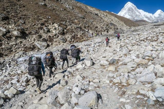 Escaladores En Nepal