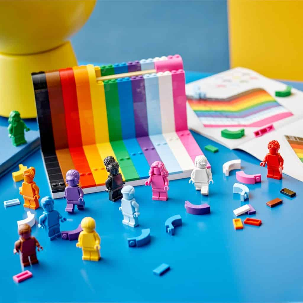 Everyone Is Awesome, Nuevo Set De Lego