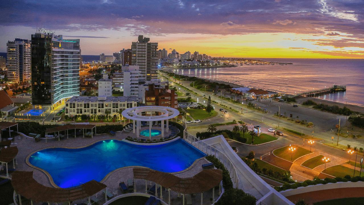 Uruguay-elimina-cuarentena-obligatoria-para-viajeros-que-ingresen-al-país