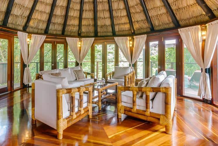 Imagen Mejores Lugares Para Dormir En Casas Del Árbol Belize Treetop Jungle Villas Chaa Creek Living Room 2