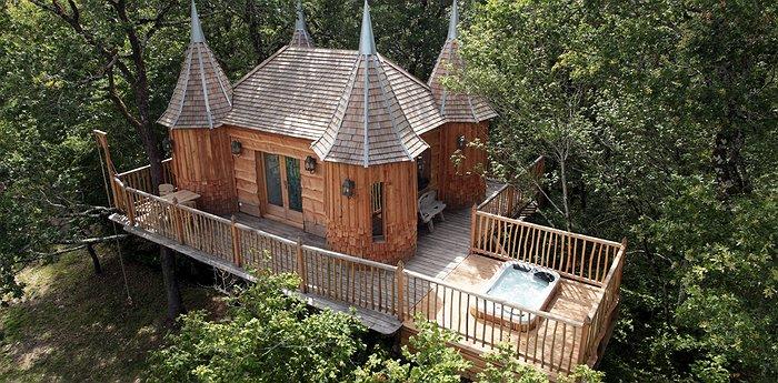 Imagen Mejores Lugares Para Dormir En Casas Del Árbol Chateaux Dans Les Arbres.jpg.700X345 Q85 Box 01551595941 Crop Detail