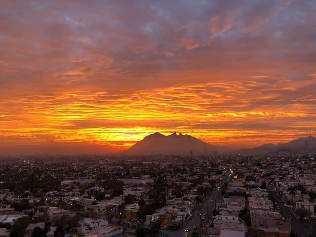 Glamping En México | Monterrey Es Una De Las Ciudades Más Importantes Del País Por Su Desarrollo Industrial, Tecnológico Y De Negocios. Photo By Jorge Gardner On Unsplash