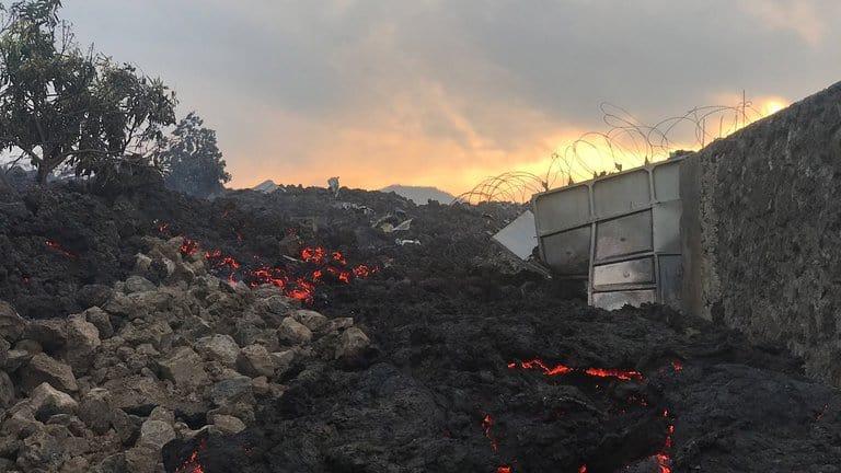 Casas Destruidas Por La Lava Volcánica