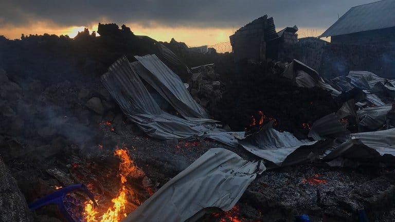 Casas Destruidas Por La Lava