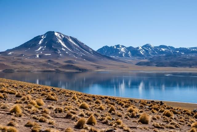 Glamping En Chile   San Pedro De Atacama, Ubicado En El Desierto De Atacama, Tiene Paisajes Únicos En El Mundo Como Salares, Géiseres Y Lagunas De Un Intenso Color Azul. Photo By David Vives On Unsplash