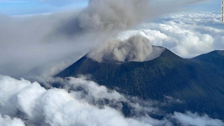 Vista Aérea Del Volcán Nyiragongo