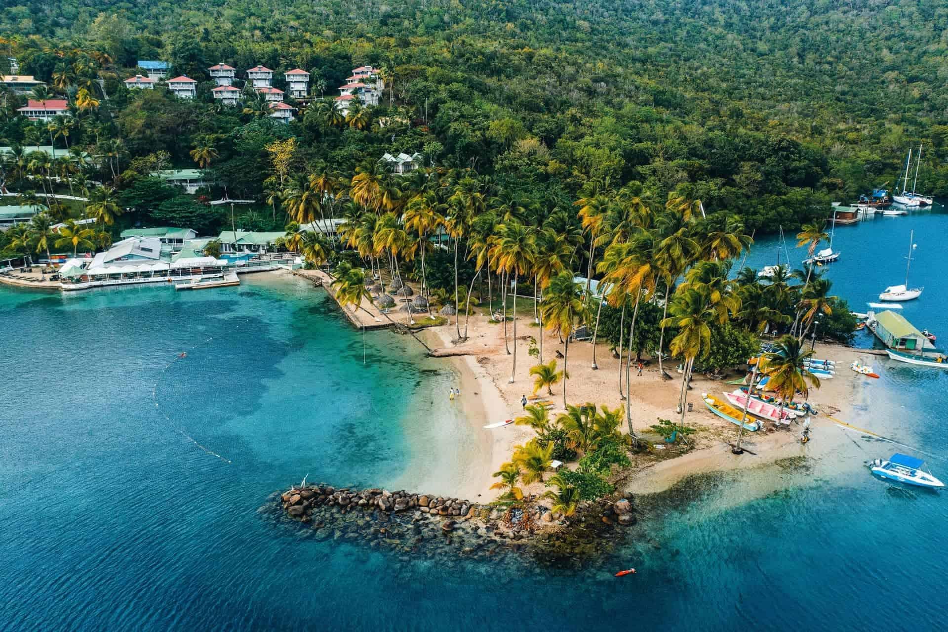 La isla de Santa Lucía ofrece más libertades de viaje para las personas vacunadas contra el COVID-19
