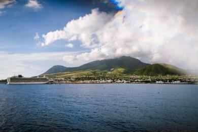 San Cristóbal y Nieves solo recibirán a turistas que se hayan vacunado contra el COVID-19