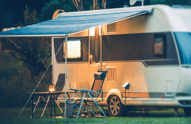La Caravana O Casa Rodante Tiene Como Característica Principal Que Se Arrastra Con Un Vehículo Común