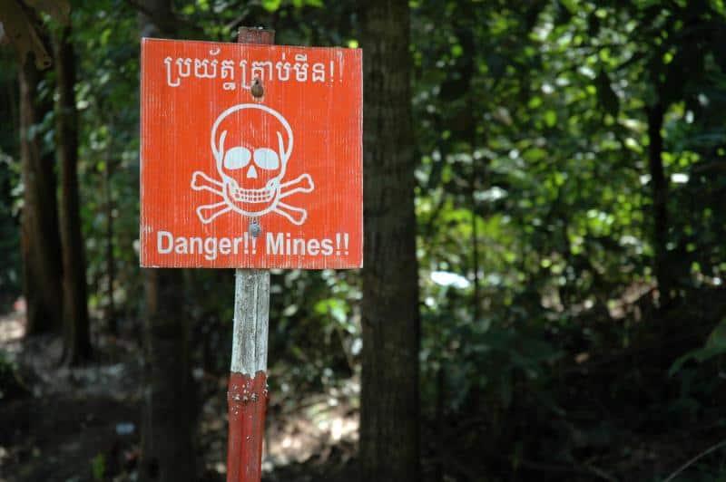 Minas Terrestres En Camboya