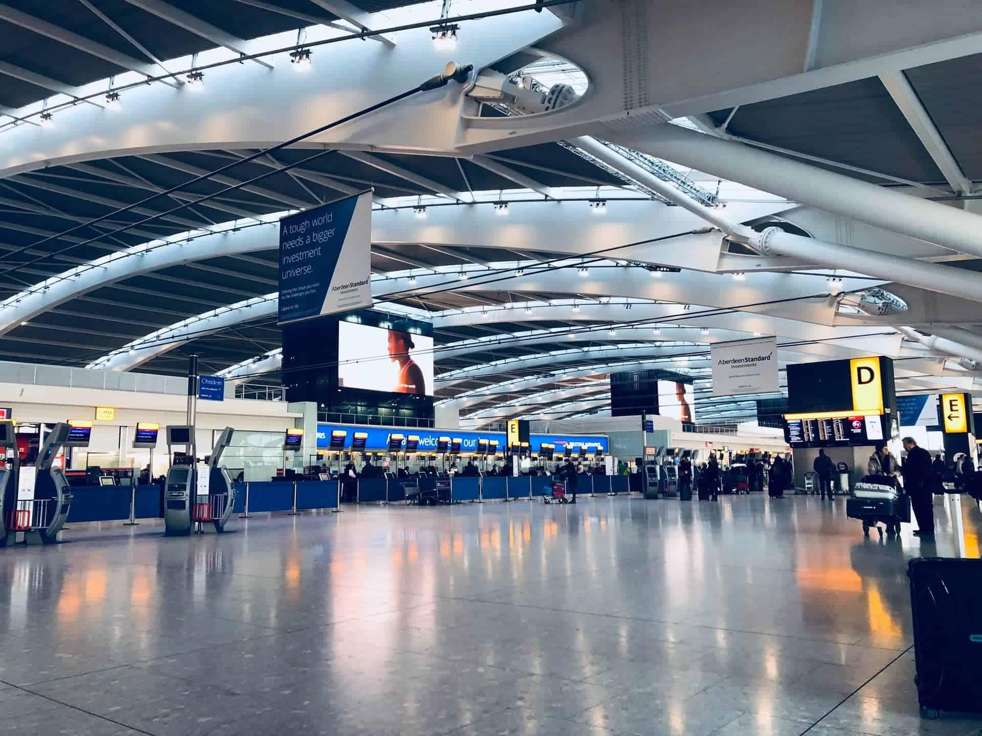 El aeropuerto de Heathrow, en Londres, cuenta con una terminal especial que fue asignada para viajeros de zonas de alto riesgo por COVID-19
