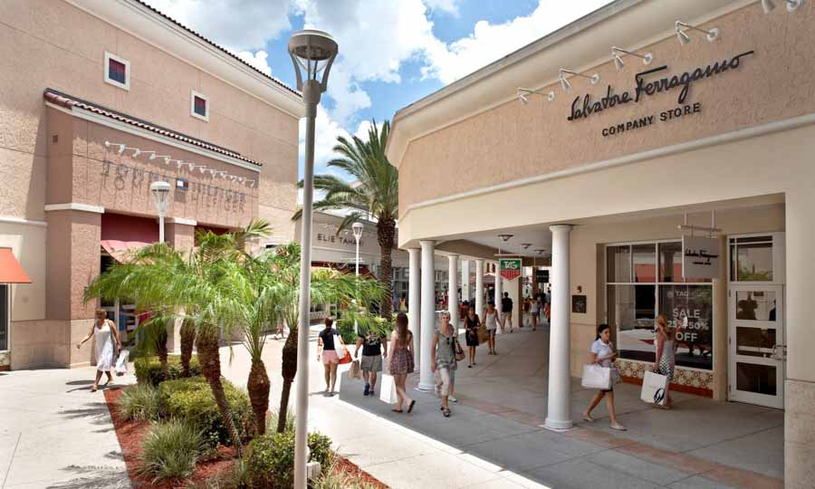 Centros Comerciales (Outlets)