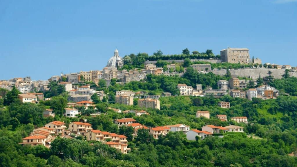 Ciudades Cerca De Roma: Montefiascone