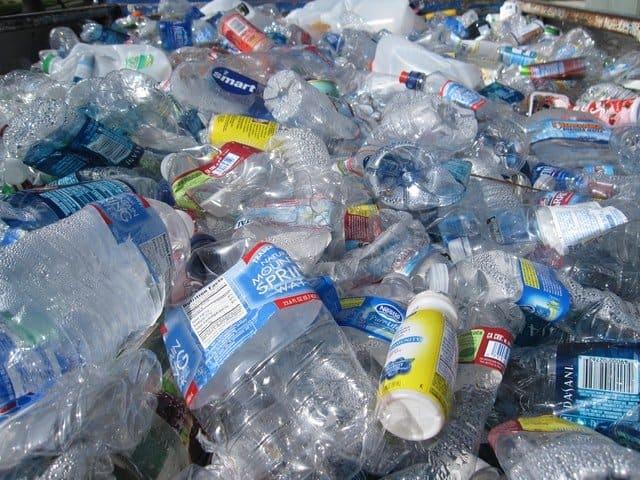 Botellas De Plástico Vacía