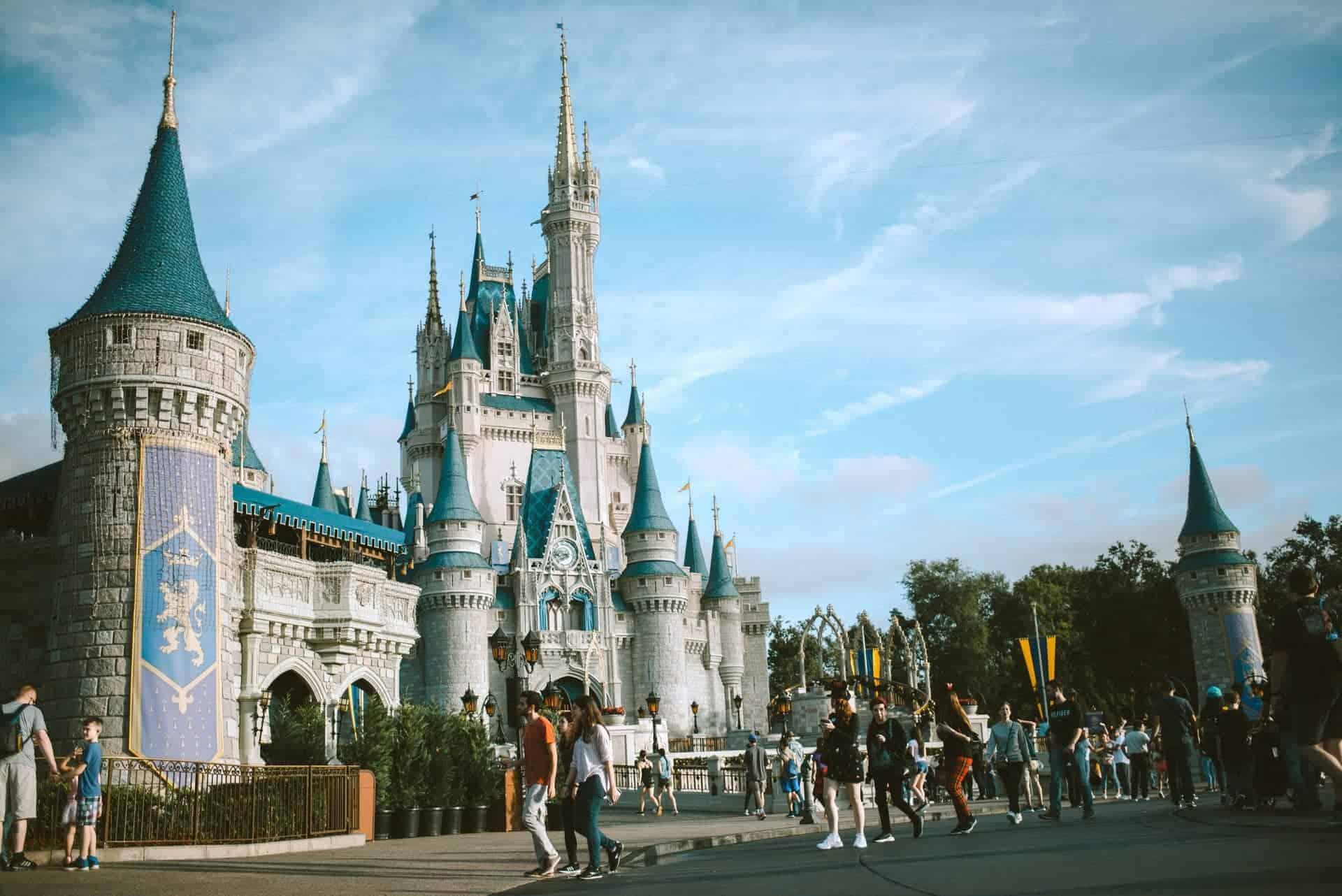 El uso de mascarillas en Disney World será opcional para las personas que estén vacunadas contra el COVID-19