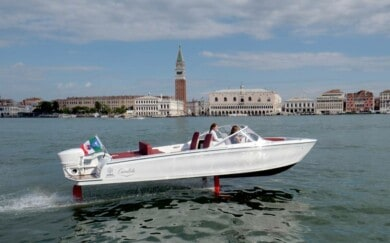 """Esta """"lancha voladora"""" podría ayudar con el problema de la erosión en Venecia, Italia"""
