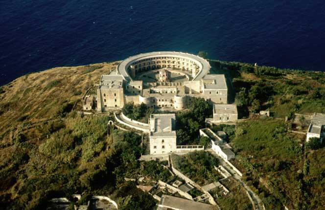 Prisión De Santo Stefano, Vista Aérea