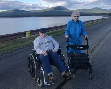 dos viudos de 95 años se conocieron en plena pandemia