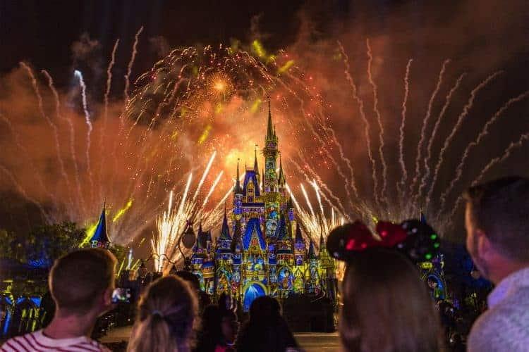 Los shows con fuegos artificiales en los parques de Disney serán reanudados a partir de julio-1