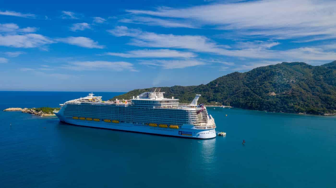 Royal Caribbean pospone los viajes de sus cruceros por casos positivos de COVID-19 en la tripulación