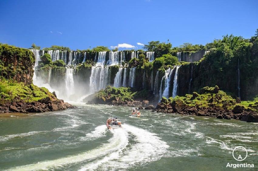 Que Hacer Y Dónde Hospedarse En Iguazú: Paseo En Bote
