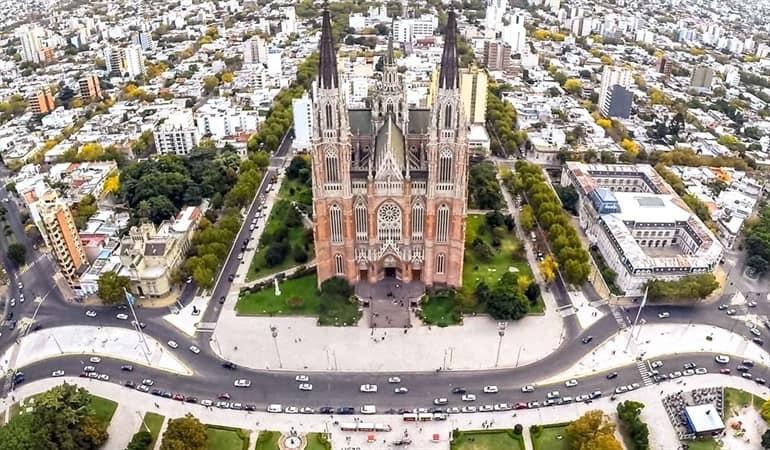 4 Lugares Cercanos A Buenos Aires: La Plata