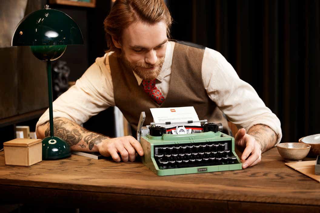 máquina de escribir LEGO