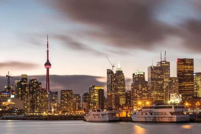Toronto, Canadá - El País Planea Reducir Las Restricciones De Viajes
