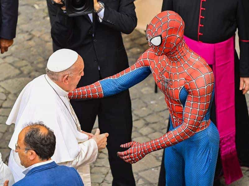 Spider-Man Y El Papa Francisco