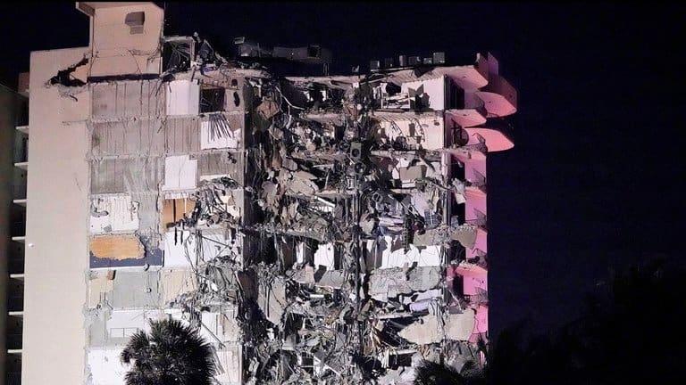 Edificio De Doce Pisos Se Derrumba