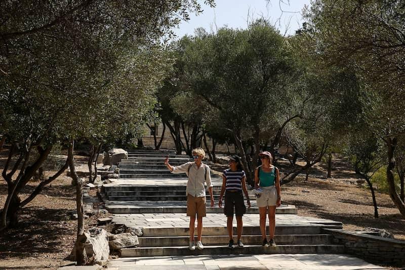 Personas Al Aire Libre Sin Mascarilla En Grecia