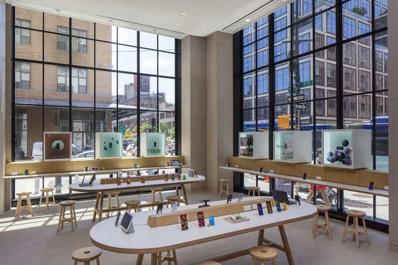 Interior De La Primera Tienda Física De Google