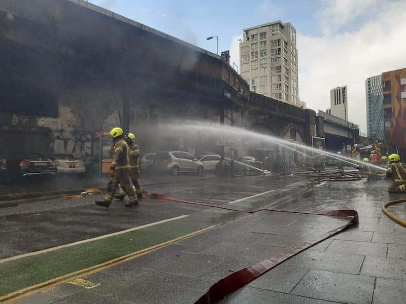 Explosión E Incendio En Estación Del Metro De Londres - Fuego Bajo Control