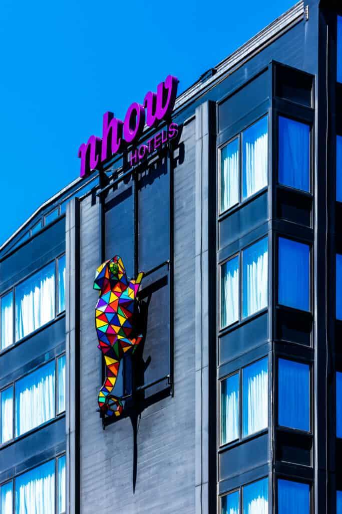 Este Nuevo Hotel En Bruselas Ofrece Arte En Todas Sus Expresiones Y Propone A Los Viajeros Una Experiencia Única