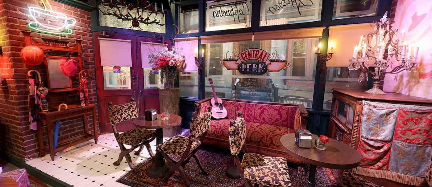 Warner Bros. Studio Tour vuelve a abrir sus puertas y amplia su experiencia de Friends