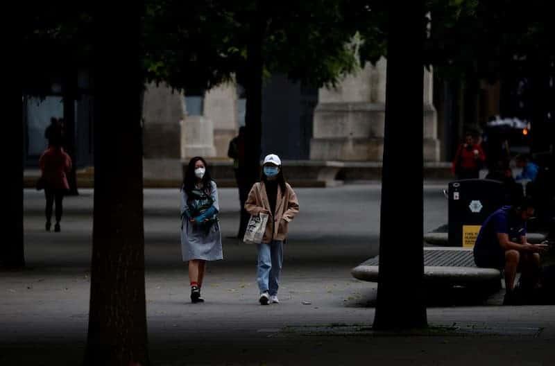 Personas Caminando En Inglaterra