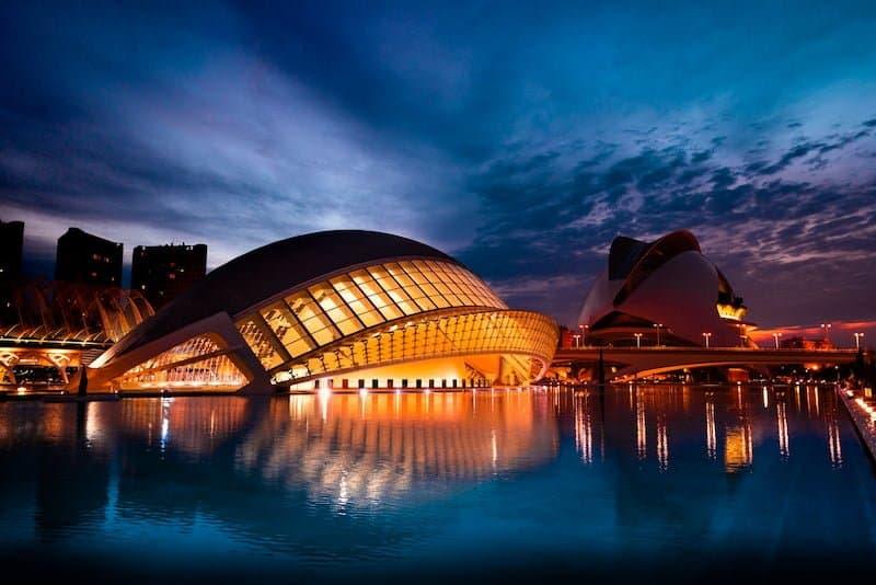 Lugares De Valencia Que No Te Puedes Perder: Ciudad De Las Artes Y Las Ciencias