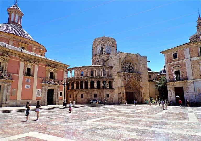 Lugares De Valencia Que No Te Puedes Perder: Plaza De La Virgen