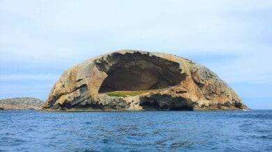 Cleft_Island_Skull_Rock_-_Cavity-2