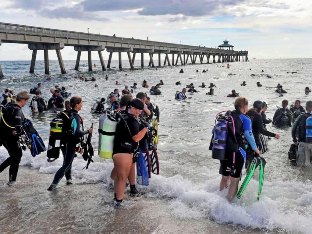 Imagen Deerfield Beach Florida Scuba Clean Up 1500X1125 1