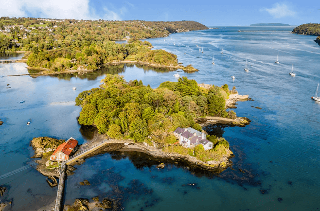 pequeña isla con solo un vecino