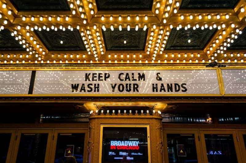Teatro De Boradway: &Quot;Keep Calm &Amp; Lava Tus Manos&Quot;