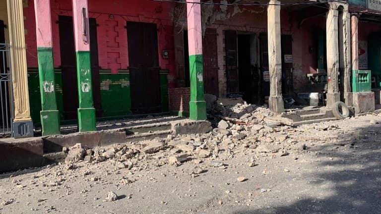 Destrozos Del Terremoto En Haití