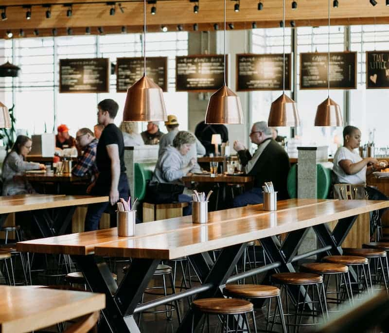 Personas En Un Restaurante