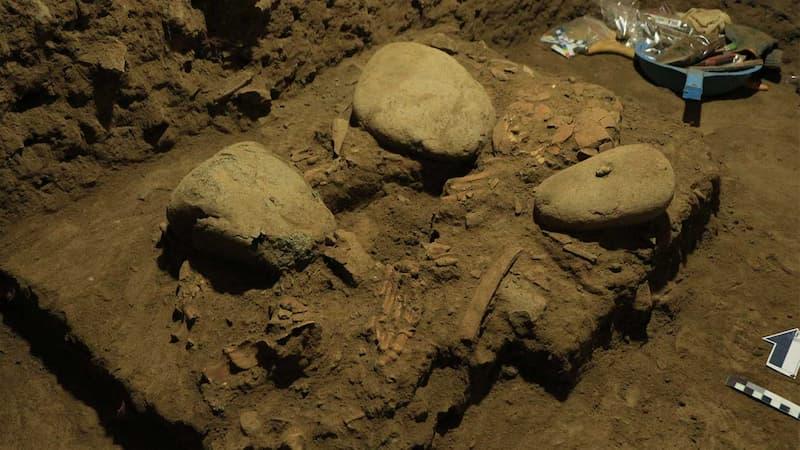 Esqueleto De La Adolescente De Hace 7.200 Años