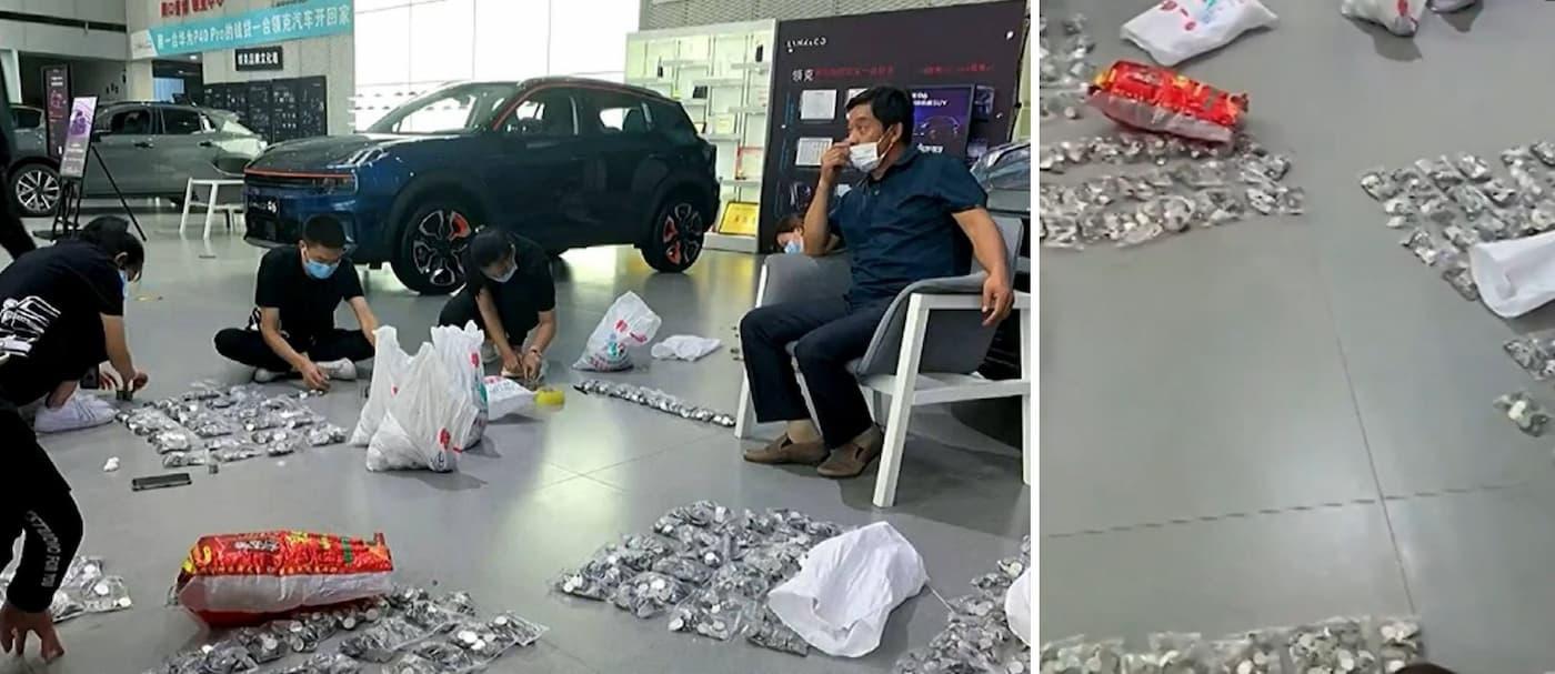 China: un hombre compró un auto con monedas y los empleados pasaron más de 3 horas contándolas